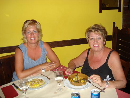 Monte Colombo, Ιταλία: con la mama in vacanza