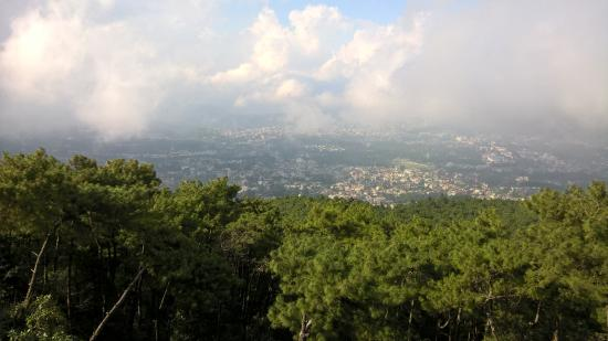 Meghalaya, อินเดีย: you can see the whole shillong city from this place