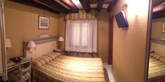 Маленький отель