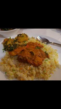 Saffron: Chicken tikka jalfrezi and bombay