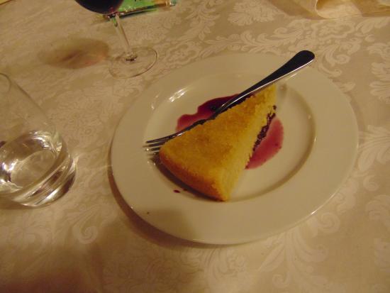 La Pietra Antica O'Munti Turismo Rurale: La buonissima torta di Agata