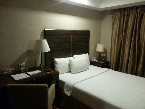 BEST WESTERN PLUS Antel Hotel: Room no.1209 one bedroom suite.