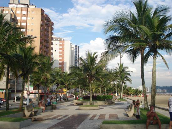 Cidade Ocian Beach: Calçadão da Praia grande.