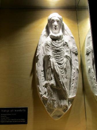 Centre de Sculpture Romane : Die Muttergottes gehört zu seinen häufigsten Figuren.