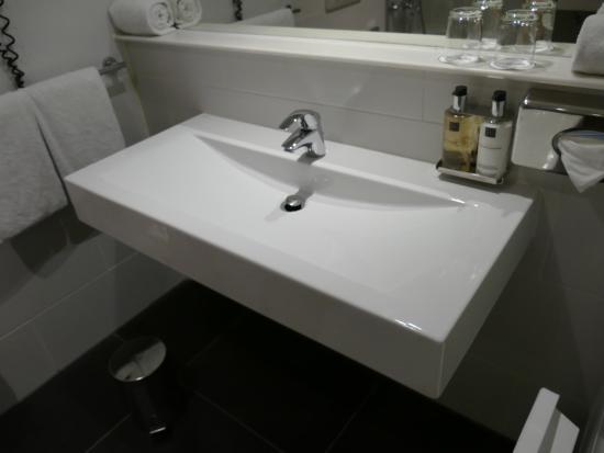 Das Waschbecken.Das Waschbecken Reicht Für Zwei Picture Of Wyndham
