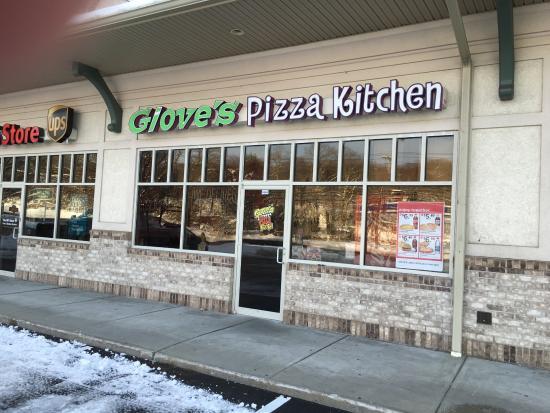 Giove's Pizza, Shelton