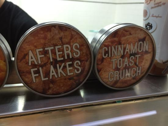 Fountain Valley, Californie : WHY DOES AFTER FLAKES MAKE ME GIGGLE?