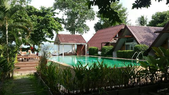 Липа-Ной, Таиланд: The swimming pool area.