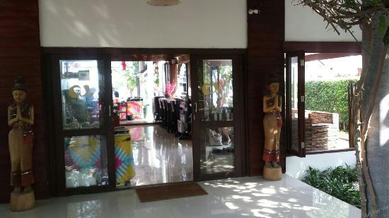 Липа-Ной, Таиланд: The reception area.