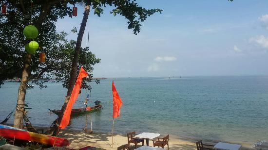 Lipa Noi, Thailand: Restaurant at the beach (and the breakfast).