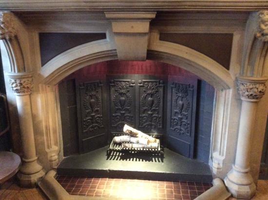 Lyndhurst, UK: Fireplace