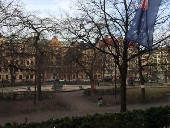 Hotel Rival: Blick auf den Platz vom Frühstücksraum aus