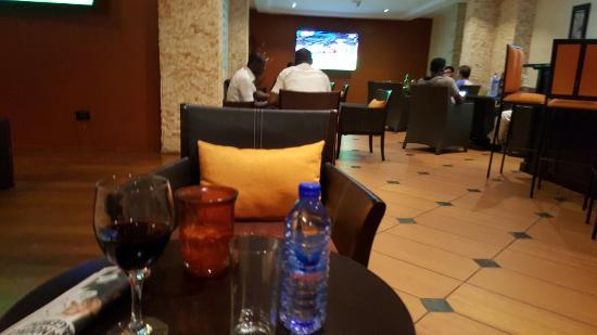Oak Plaza Hotel East Airport: IMG-20160202-WA0001_large.jpg