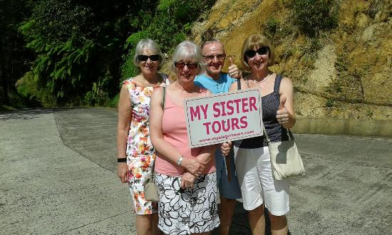 Roseau, Dominica: Some satisfied customers