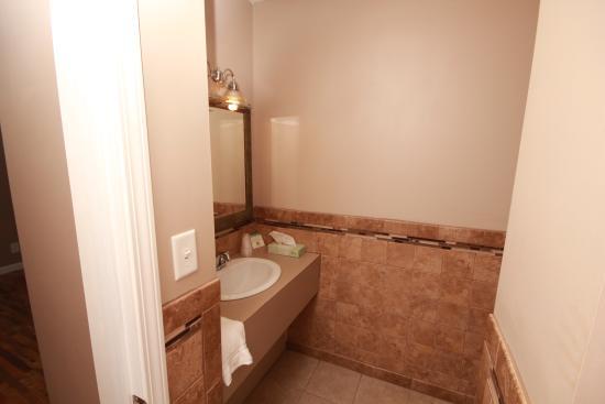 Au Gres, MI: Bath