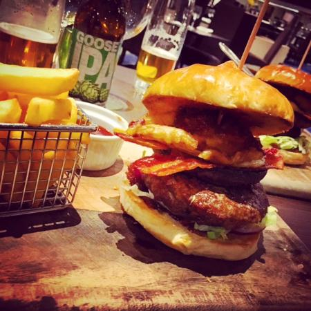 Hollingbourne, UK: Mercure Maidstone Great Danes Hotel | The Ultimate Burger!