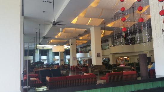 PARKROYAL Penang Resort, Malaysia: Lobby lounge