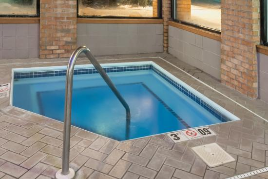 Cambridge, OH: Hot Tub