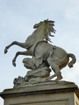 Marly-le-Roi, France : jolie sculpture expressive