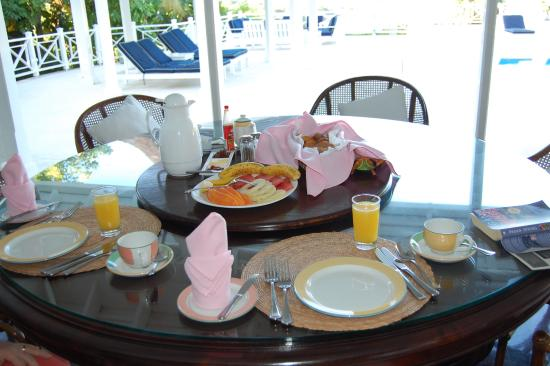 Hopewell, Jamaica: breakfast cooked to order at our villa every morning
