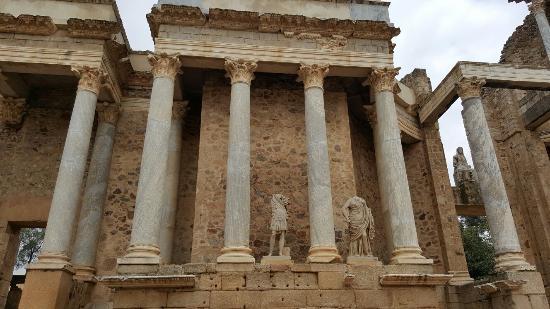Roman Theater (Teatro Romano): 20160206_125103_large.jpg