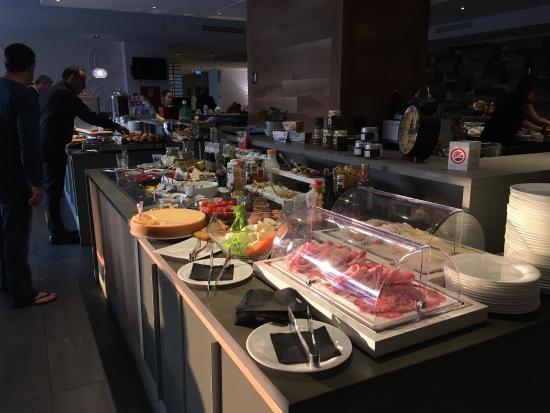 La colazione è stupenda! Il buffet molto assortito ma la cosa più ...