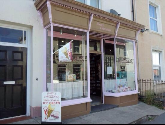 Tywyn, UK: Grandmas Sweet Shop