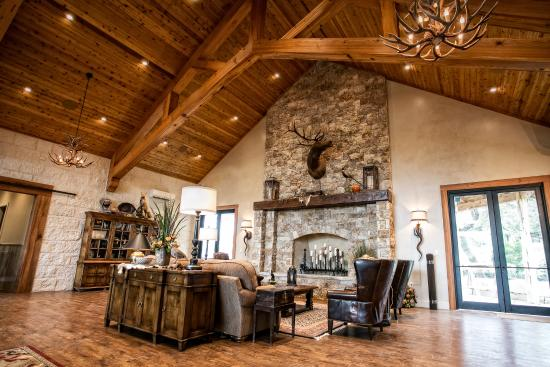 Boerne, TX: Utopia Great Room