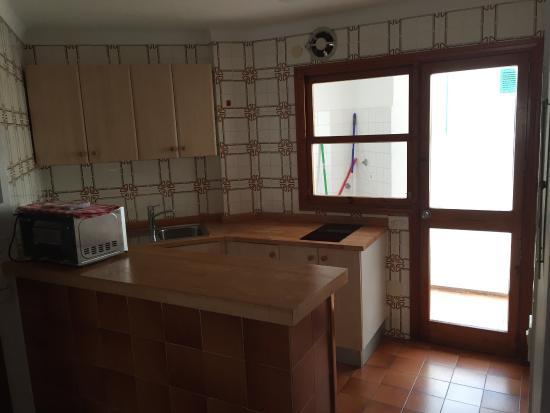 Apartments Los Robles: En temporada baja para visitar la isla está de lujo por el precio que tiene. 130 euros 2  noches