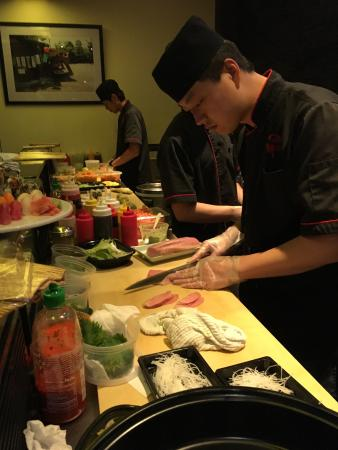 Food ambience experts picture of sushi hana japanese for Asian cuisine tulsa