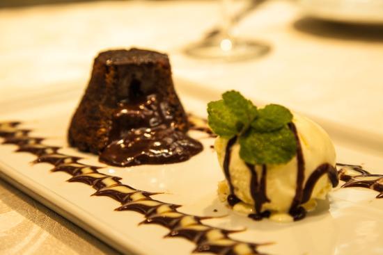 Chapeco, SC: Petit Gateau de chocolate.
