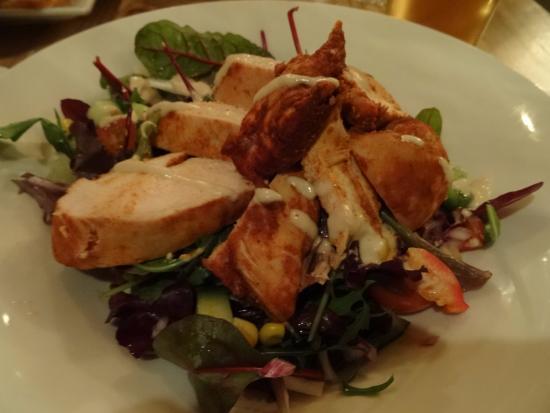 Congleton, UK: Smoked chicken salad