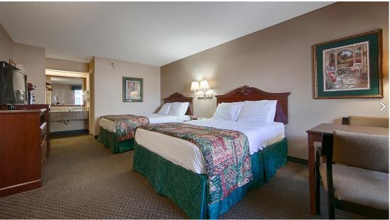 Warner Robins, GA: Bedrooms