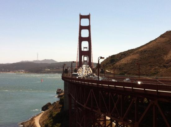 Sausalito, CA: Golden Gate Bridge from Vista Point