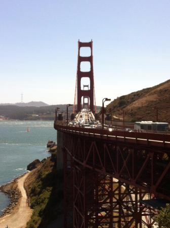 Sausalito, CA: Golden Gate Bridge from Vista Point