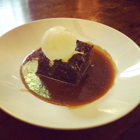 Hollingbourne, UK: The Dirty Habit | Sticky Toffee Pudding