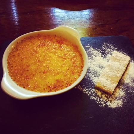 Hollingbourne, UK: The Dirty Habit | Amaretto Creme Brulee