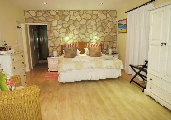 Kleinzee Oceanfront Guesthouse: Bedroom