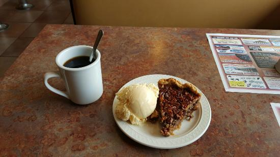 Palmyra, WI: Edge of Town Cafe