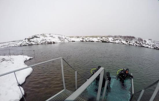 Hafnarfjordur, Island: End of dive in þingvellir Silfra