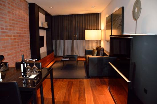 Suites Avenue: Living Comedor