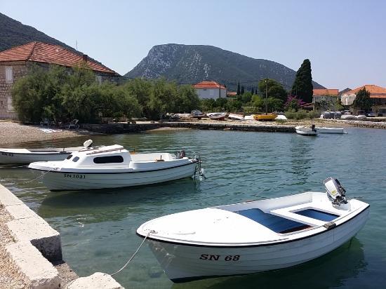 Mali Ston, Κροατία: Peaceful little port in the bay