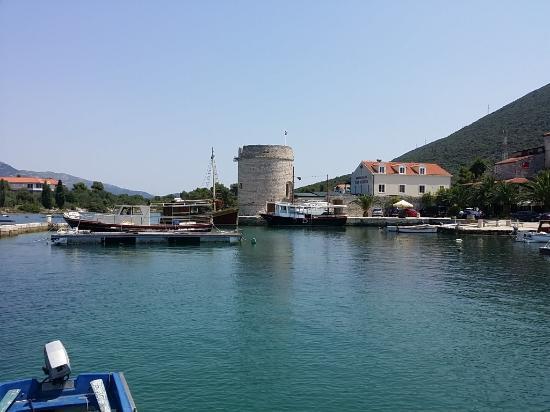 Mali Ston, Chorwacja: Walled town so quiet
