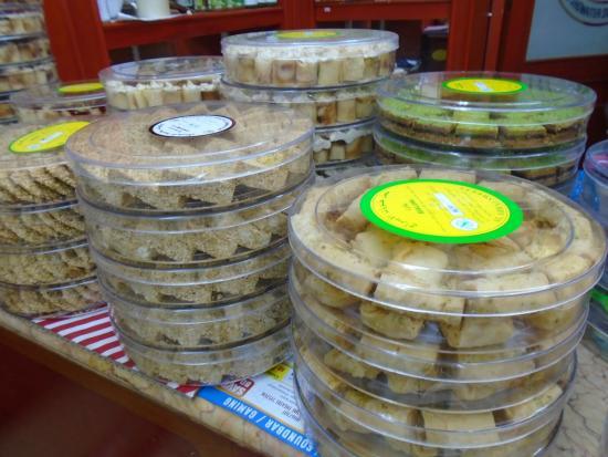 Bab el-Bahrain Souk: Bahrini sweets