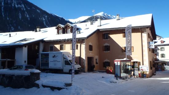 Bergun, Suíça: Unser Sportgeschäft in Bergün