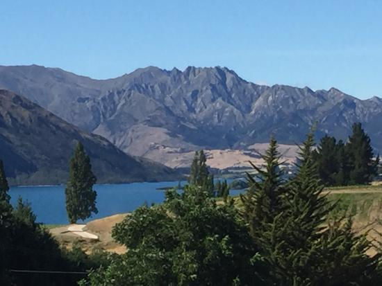 Wanaka Top 10 Holiday Park: photo1.jpg