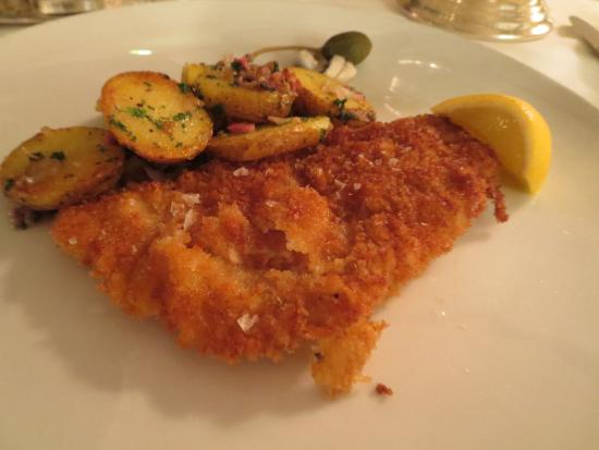 Eltville am Rhein, Alemania: The most juicy veal snitzel ever!