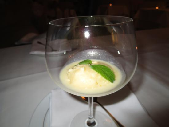 Eltville am Rhein, Alemania: Riesling sorbet...no words......