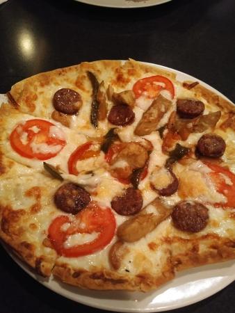 Max's Brick Oven: Aurara Brick Oven Pizza