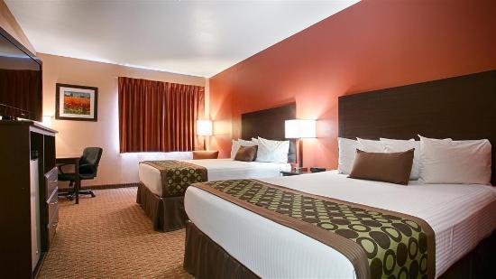 Best Western Topeka Inn & Suites: 2 Queens Room